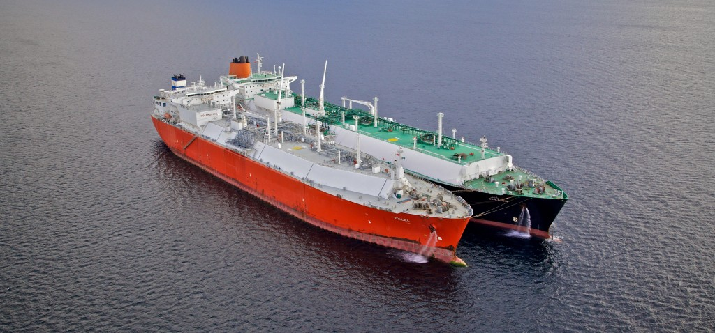 LNG-transfer-ship-to-shipcrop1